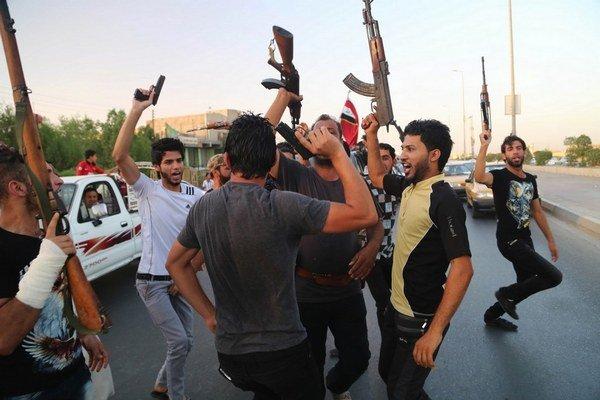 Proti Islamskému štátu bojujú aj šiitske milície z provincie Basra.