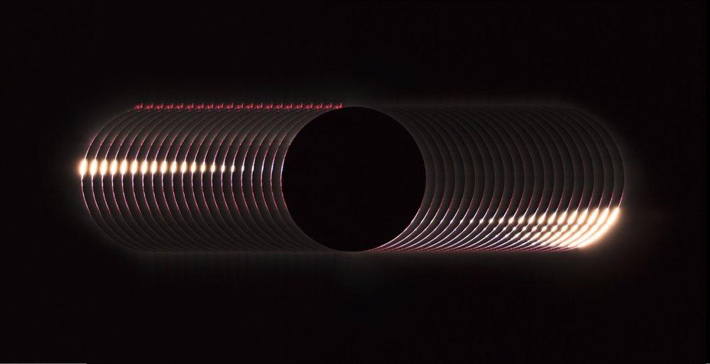 Bailyho perly – úkaz pozorovaný tesne pred začiatkom a po konci úplného zatmenia Slnka. Celkový víťaz a víťaz kategórie Naše Slnko.