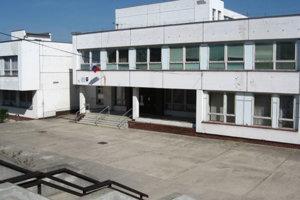 Základná škola smaterskou školou Veľké Leváre.
