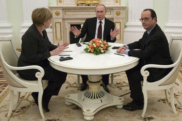 Merkelová a Hollande rokovali v Moskve s Putinom.