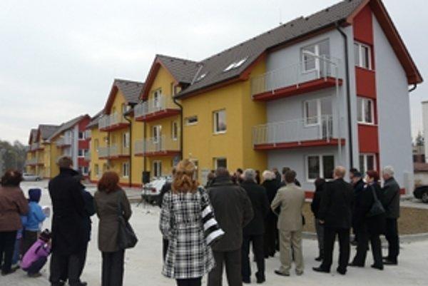 Prvé rodiny sa už do nových bytoviek nasťahovali.