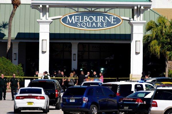 Obchodné centrum, v ktorom sa strieľalo.