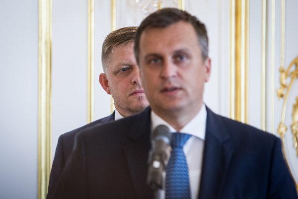Andrej Danko si nevidí do úst ani v prípade učiteľských platov.