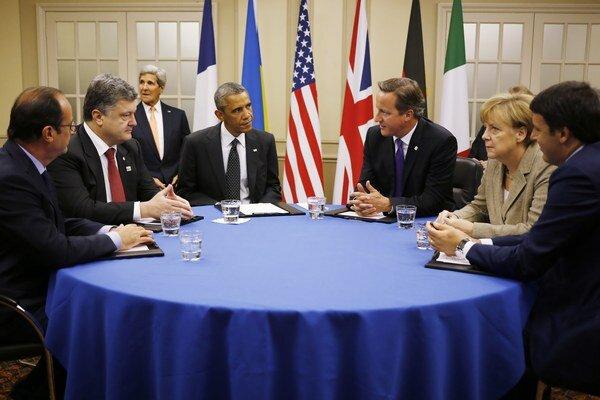 Summitu by sa mali zúčastniť zástupcovia Ukrajiny, Ruska, Nemecka a Francúzska. Fotografia je zo summitu NATO v britskom Walese.