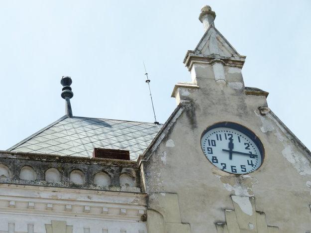 Zmení sa aj vzhľad vežových hodín.