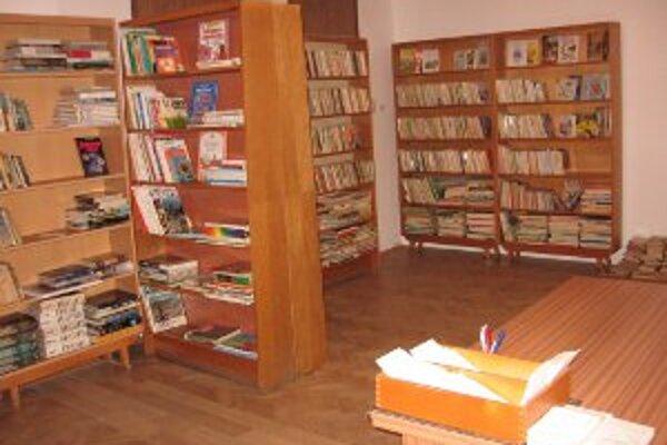 Knižnica v Kľačne je v nových priestoroch.