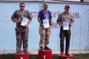 Najlepší traja v kategórii mužov zľava Roman Kalina, Ján Kováč a Patrik Németh
