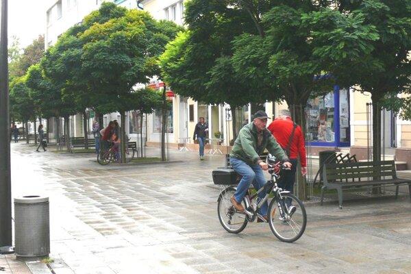 Väčšina cyklistov je ohľaduplná, dodržuje pravidlá.