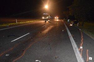 Jesenné cesty bývajú zradné. Polícia vyzýva k zvýšenej opatrnosti.