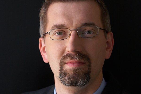 Lekár a právnik Peter Kováč.