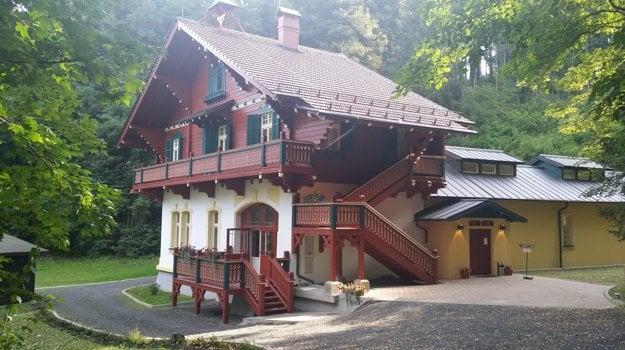 V opravenom Löschnerovom pavilóne funguje múzeum venované minerálke Mattoni.