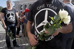 Ľudia si pripomenuli výročia aj v Kyjeve pri holandskom veľvyslanectve.