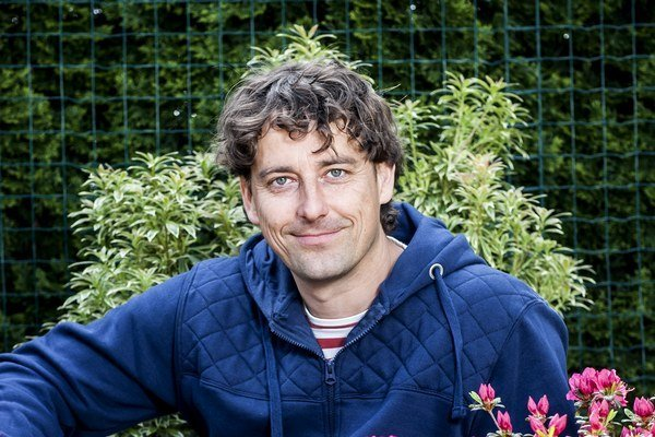 Záhradný architekt Martin Čurda dva roky moderoval a autorsky sa podieľal na výrobe relácie Hurá do záhrady.