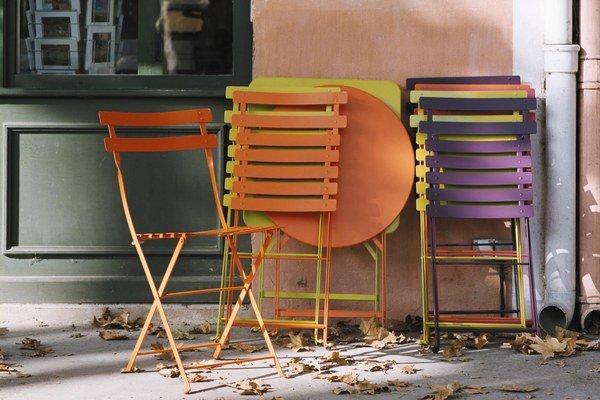 Stolička Bistro od firmy Fermob je považovaná za jedno z prvých skladacích exteriérových sedení na svete.