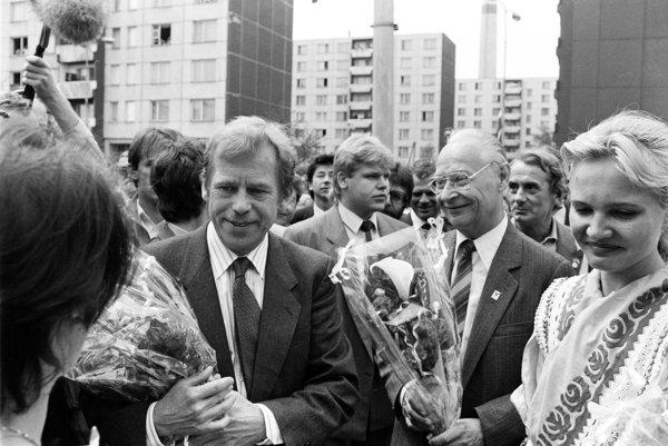 Václav Havel aj Alexander Dubček mali štátne pohreby.