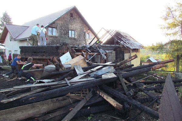 Príčinou požiaru bol pravdepodobne skrat v elektroinštalácii.