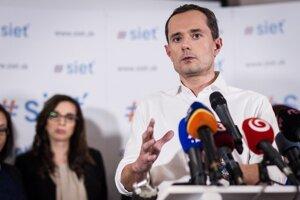 Predseda strany Sieť Radoslav Procházka na TB po zostavení kandidačnej listiny pre parlamentné voľby 2016.
