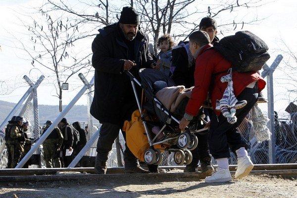 Utečenci vsúčasnosti bojujú sodmietaním aj so zimou.