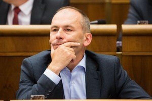 Ľudovít Kaník už v parlamente SDKÚ zastupovať nebude.
