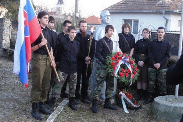 Mladí Slovenskí branci zo začiatku velebili Tisa, dnes tvrdia, že to bola chyba.