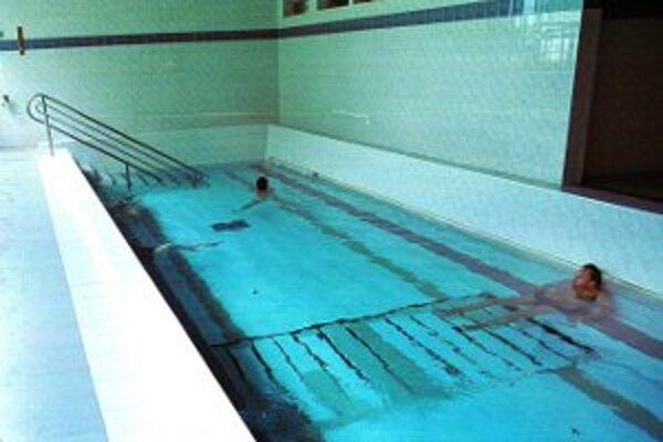 V Chalmovej teraz využívajú vnútorné bazény.