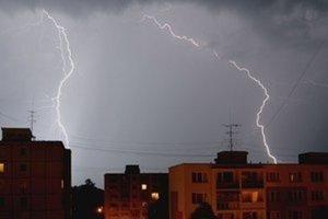 Na viacerých miestach Slovenska môžeme očakávať búrky.