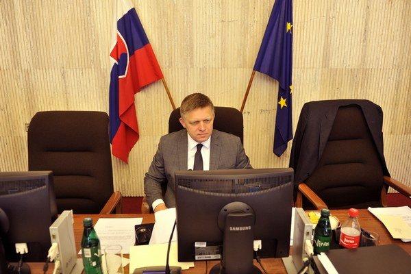 Predseda vlády Robert Fico počas rokovania 170. schôdze vlády.