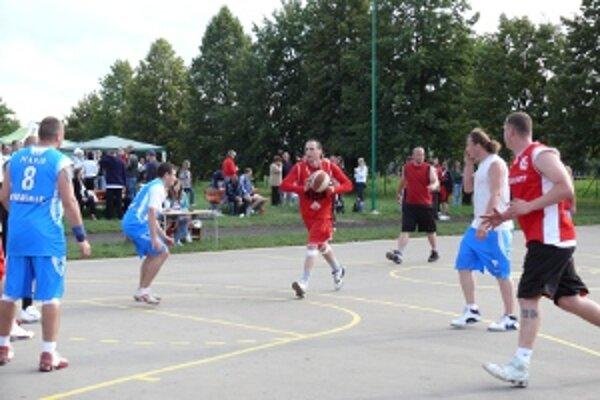 Dvadsiaty ročník sa skončil víťazstvom výberu PD Basket.