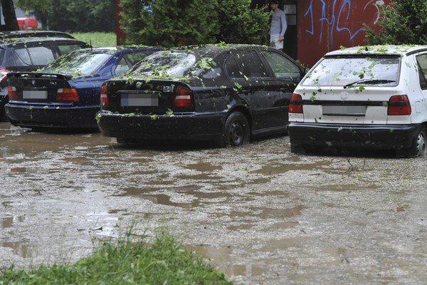Po extrémnych horúčavách môžu škody napáchať intenzívne zrážky.