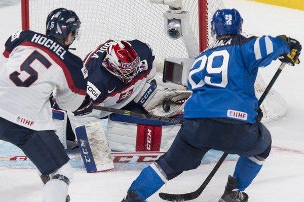 Richard Lintner zastupuje jeden z najpopulárnejších a masovo najrozšírenejších športov na Slovensku - hokej.