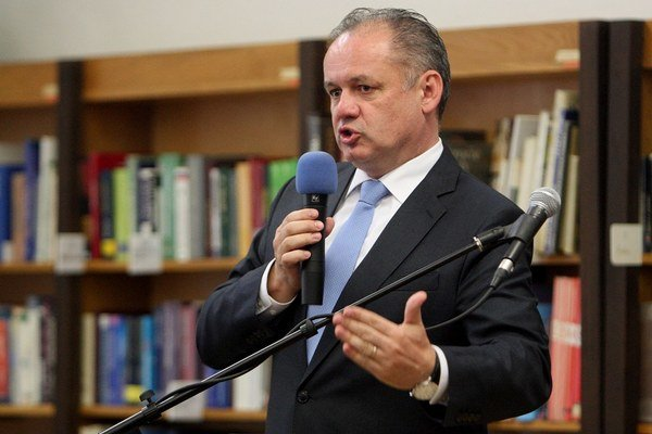 Prezident Andrej Kiska diskutuje s občanmi vo Zvolene.