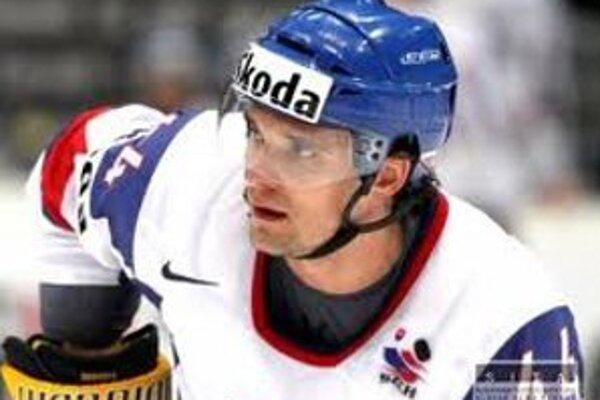 Andrej Sekera bude pôsobiť štyri roky v tíme zámorskej NHL Buffalo Sbres.