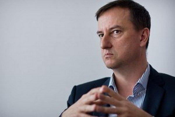 Daniel Krajcer poznamenal, že nikdy nemal problém so zverejnením svojho majetku.