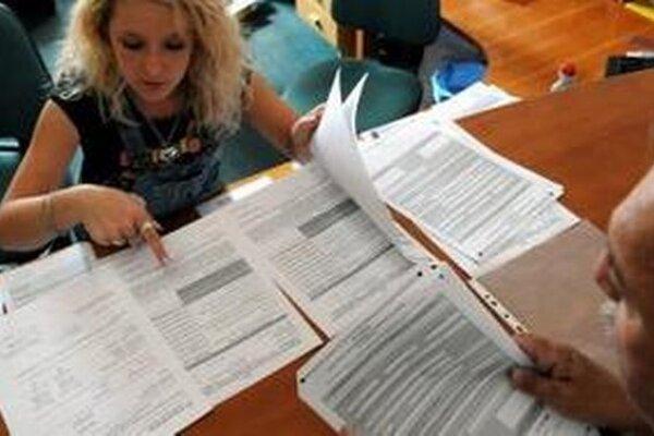Novela zákona by uľahčila zamestnávateľom doručovanie dokladov a potvrdení zamestnancom.