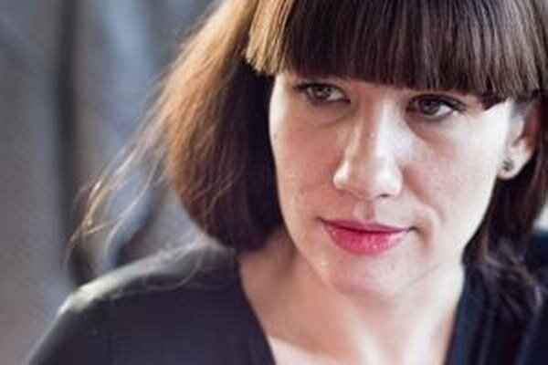 Lucia Nicholsonová.