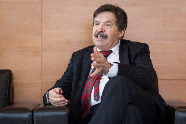 Ladislav Štibrányi varuje pre rizikami domácej výroby výbušnín.