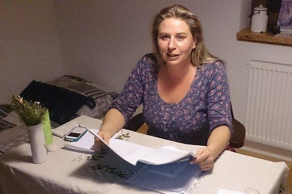 Adriana Mesochoritisová je expertka na problematiku násilia páchaného na ženách. Je aj členkou Rady vlády pre ľudské práva.