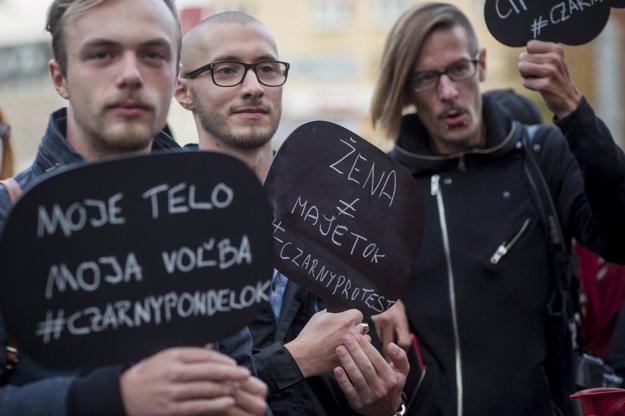Proti návrhu zákona o potratoch sa protestovalo aj v Bratislave.