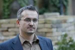 Cirkev presadzuje stanovisko, ktoré je dlhodobo neudržateľné a radikalizuje situáciu na Slovensku, hovorí Miroslav Kocúr.