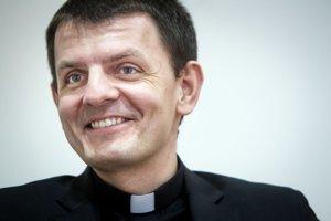 Výpomocný duchovný z bratislavskej Dúbravky sa stal novým hovorcom katolíckej Konferencie biskupov Slovenska.
