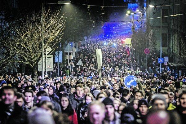 K významným udalostiam roka patrili aj demonštrácie proti korupcii.