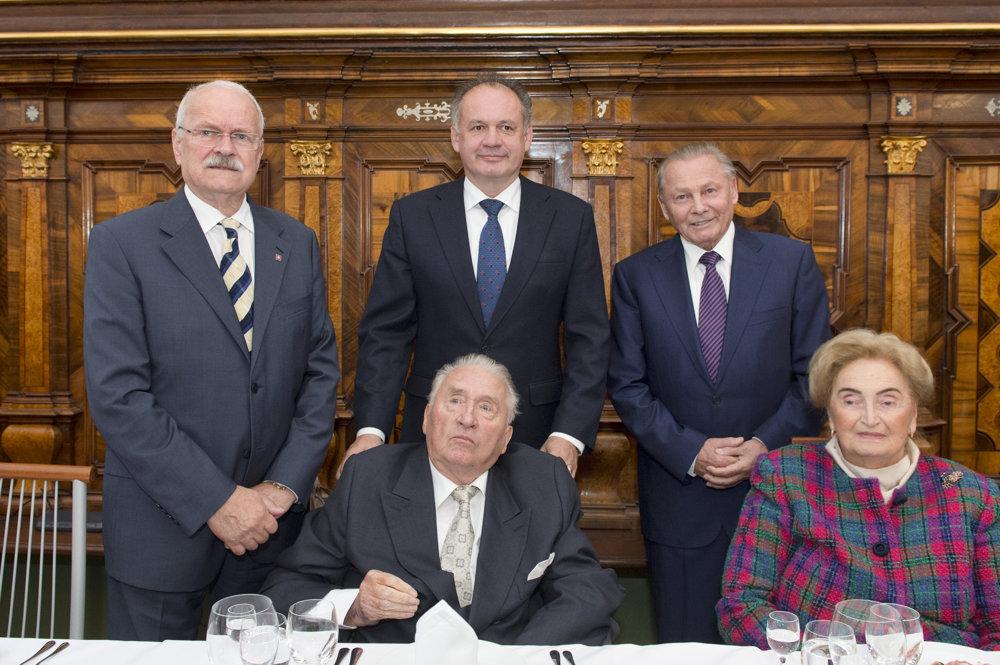 Stretnutie prezidentov Slovenskej republiky pri príležitosti 85. narodenín prvého prezidenta SR Michala Kováča, 23. september 2015.
