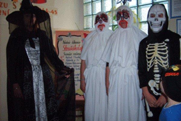 Medzi žiakov prišli čarovné a strašidelné bytosti.