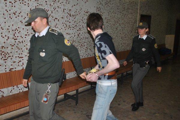 Marco seskortou. Po verdikte súdu ho pustili.