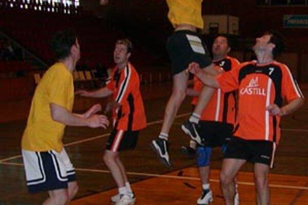 Na memoriáli súťaží celkovo 27 tímov.