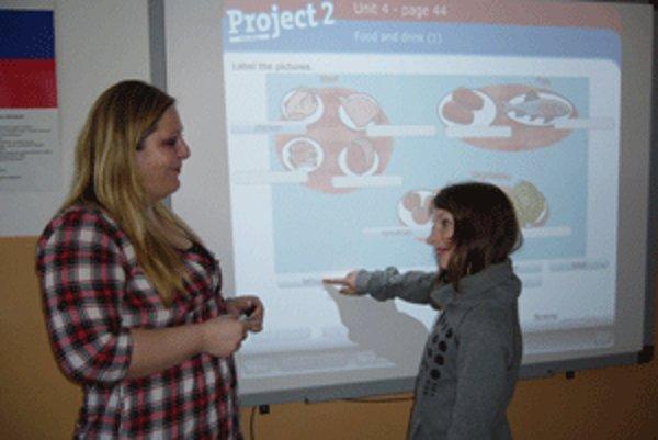 Pre deti je práca s interaktívnou tabuľou zaujímavá.