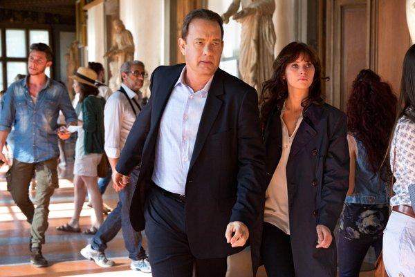 Inferno. Tom Hanks hral už aj v lepších filmoch.