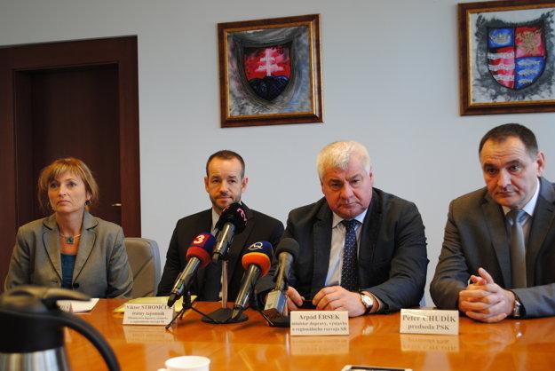 Arpád ÉrsekPrešovčanom prišiel oznámiť nový termín začiatku výstavy D1.
