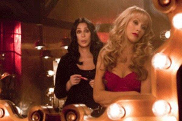 Vo filme Varieté sa predstavia aj Cher a Christina Aguilera.