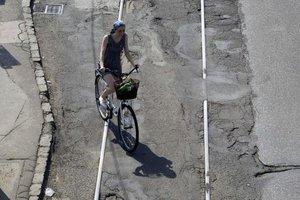 Pozor pod kolesá.